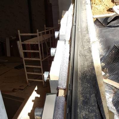 Installation de la ventilation pour une piscine
