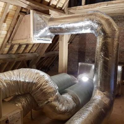 Gaine de ventilation dans une chapelle à Éghezée (Namur) - Installation BC Tech